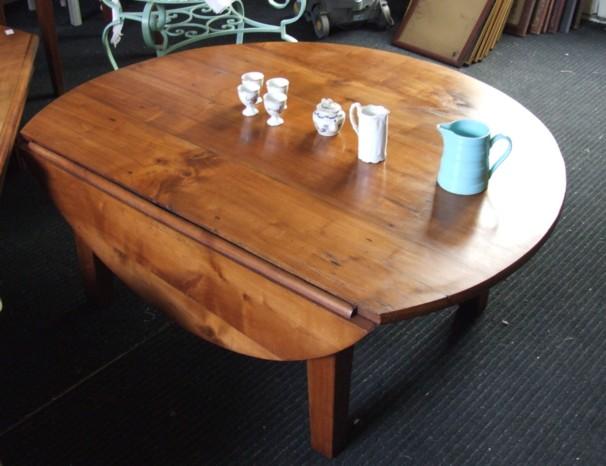 table de salon ronde en merisier